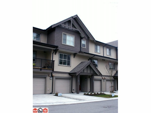 Main Photo: 18 9525 204TH Street in Langley: Walnut Grove Townhouse for sale : MLS®# F1107138
