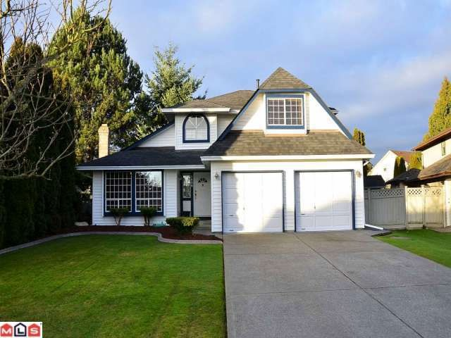 "Main Photo: 9261 155TH ST in Surrey: Fleetwood Tynehead House for sale in ""Berkshire Park"" : MLS® # F1202401"
