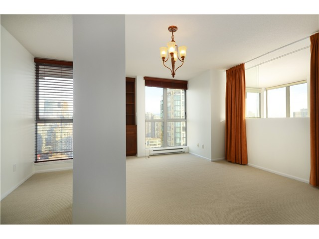 "Photo 8: 2204 1238 RICHARDS Street in Vancouver: Yaletown Condo for sale in ""METROPOLIS"" (Vancouver West)  : MLS(r) # V1037264"