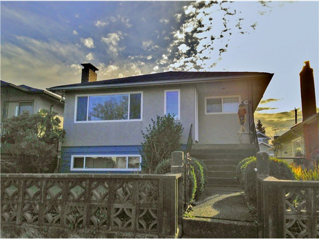 Main Photo: 1304 E 27TH Avenue in Vancouver: Knight House for sale (Vancouver East)  : MLS® # V1037359