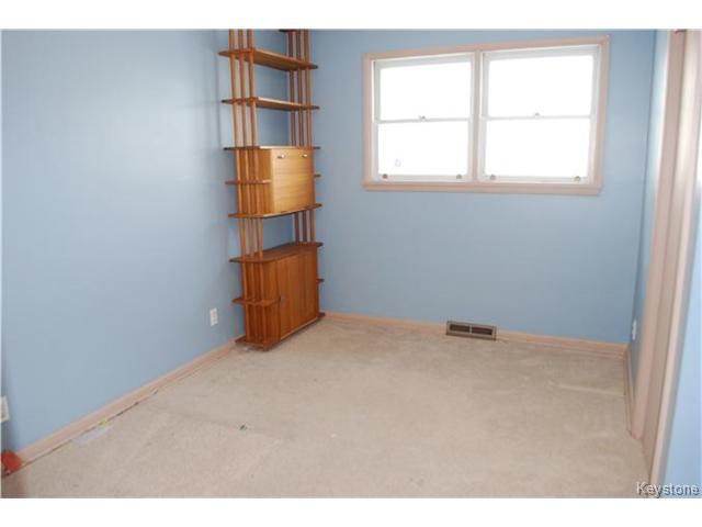 Photo 9: 1175 Polson Avenue in WINNIPEG: North End Residential for sale (North West Winnipeg)  : MLS(r) # 1400336