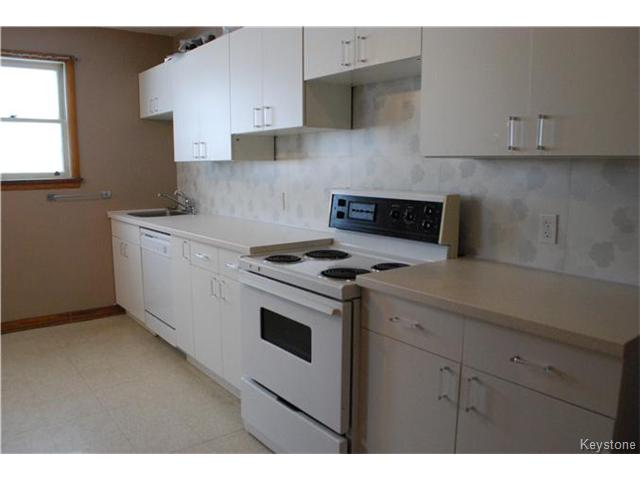 Photo 5: 1175 Polson Avenue in WINNIPEG: North End Residential for sale (North West Winnipeg)  : MLS(r) # 1400336