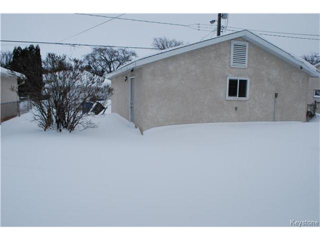 Photo 14: 1175 Polson Avenue in WINNIPEG: North End Residential for sale (North West Winnipeg)  : MLS(r) # 1400336