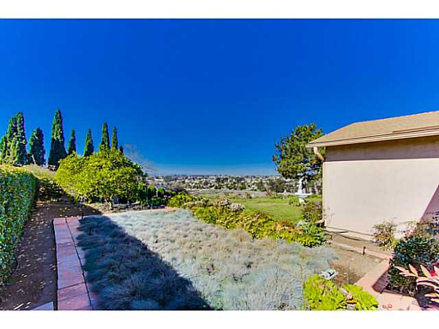 Photo 18: SAN DIEGO House for sale : 3 bedrooms : 4344 Murrieta Circle