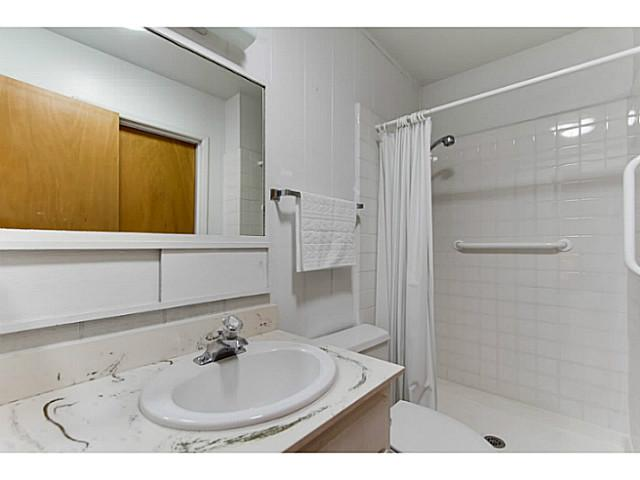 Photo 11: SAN DIEGO House for sale : 3 bedrooms : 4344 Murrieta Circle
