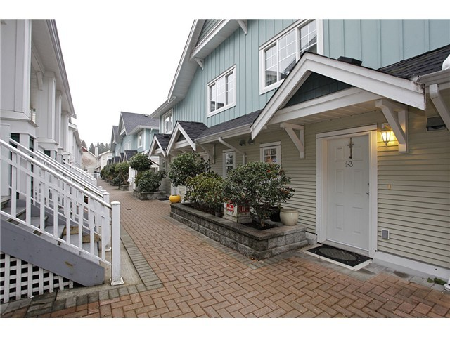 "Main Photo: 13 123 SEVENTH Street in New Westminster: Uptown NW Townhouse for sale in ""ROYAL CITY TERRACE"" : MLS® # V1053849"