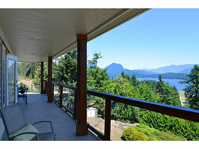 Photo 3: Photos: 1236 ST ANDREWS Road in Gibsons: Gibsons & Area House for sale (Sunshine Coast)  : MLS®# V1103323