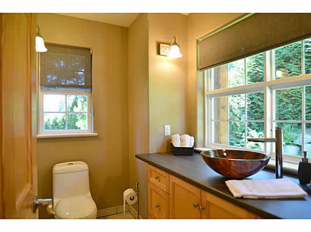 Photo 11: Photos: 1236 ST ANDREWS Road in Gibsons: Gibsons & Area House for sale (Sunshine Coast)  : MLS®# V1103323