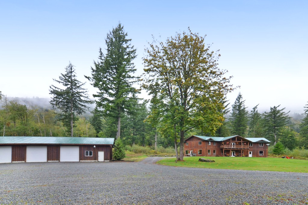 Photo 1: 1191 MAPLE ROCK Drive in Chilliwack: Lindell Beach House for sale (Cultus Lake)  : MLS(r) # R2004366