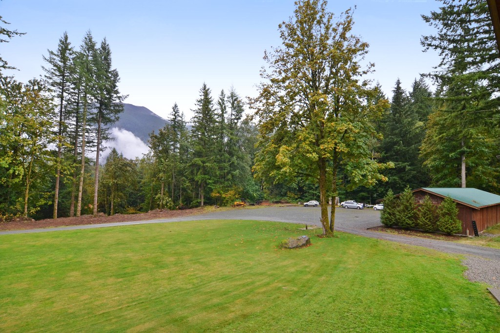 Photo 18: 1191 MAPLE ROCK Drive in Chilliwack: Lindell Beach House for sale (Cultus Lake)  : MLS(r) # R2004366