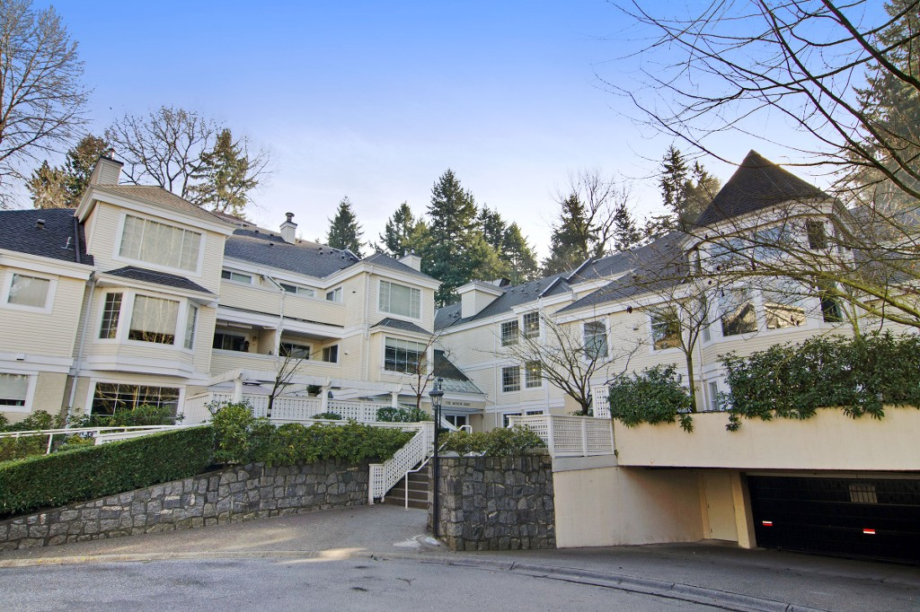 "Main Photo: 110 6860 RUMBLE Street in Burnaby: South Slope Condo for sale in ""GOVERNOR'S WALK"" (Burnaby South)  : MLS(r) # R2034769"