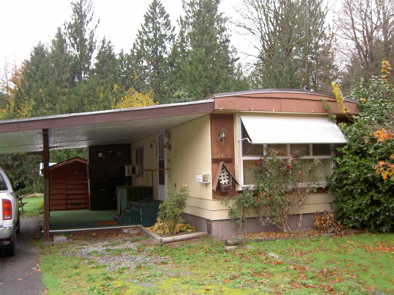 "Main Photo: 26 45955 SLEEPY HOLLOW Road in Chilliwack: Cultus Lake Manufactured Home for sale in ""LIUMCHEN VILLAGE"" : MLS® # R2035594"