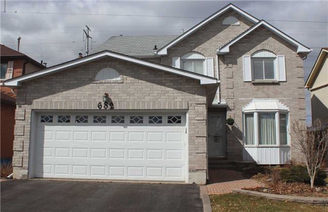 Main Photo: 682 Amaretto Avenue in Pickering: Amberlea House (2-Storey) for sale : MLS® # E3445544