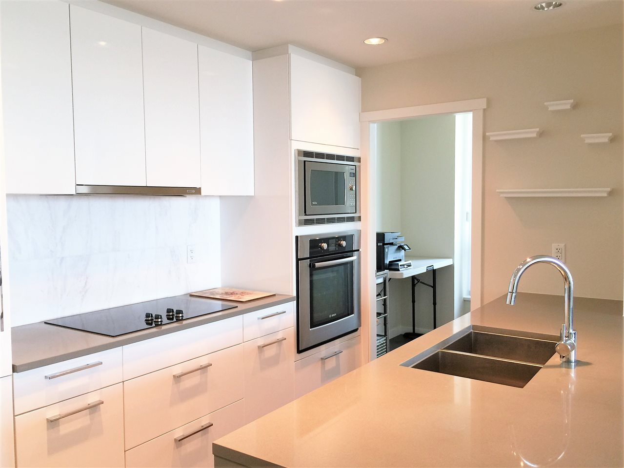 Photo 4: 1802 5728 BERTON Avenue in Vancouver: University VW Condo for sale (Vancouver West)  : MLS® # R2049668