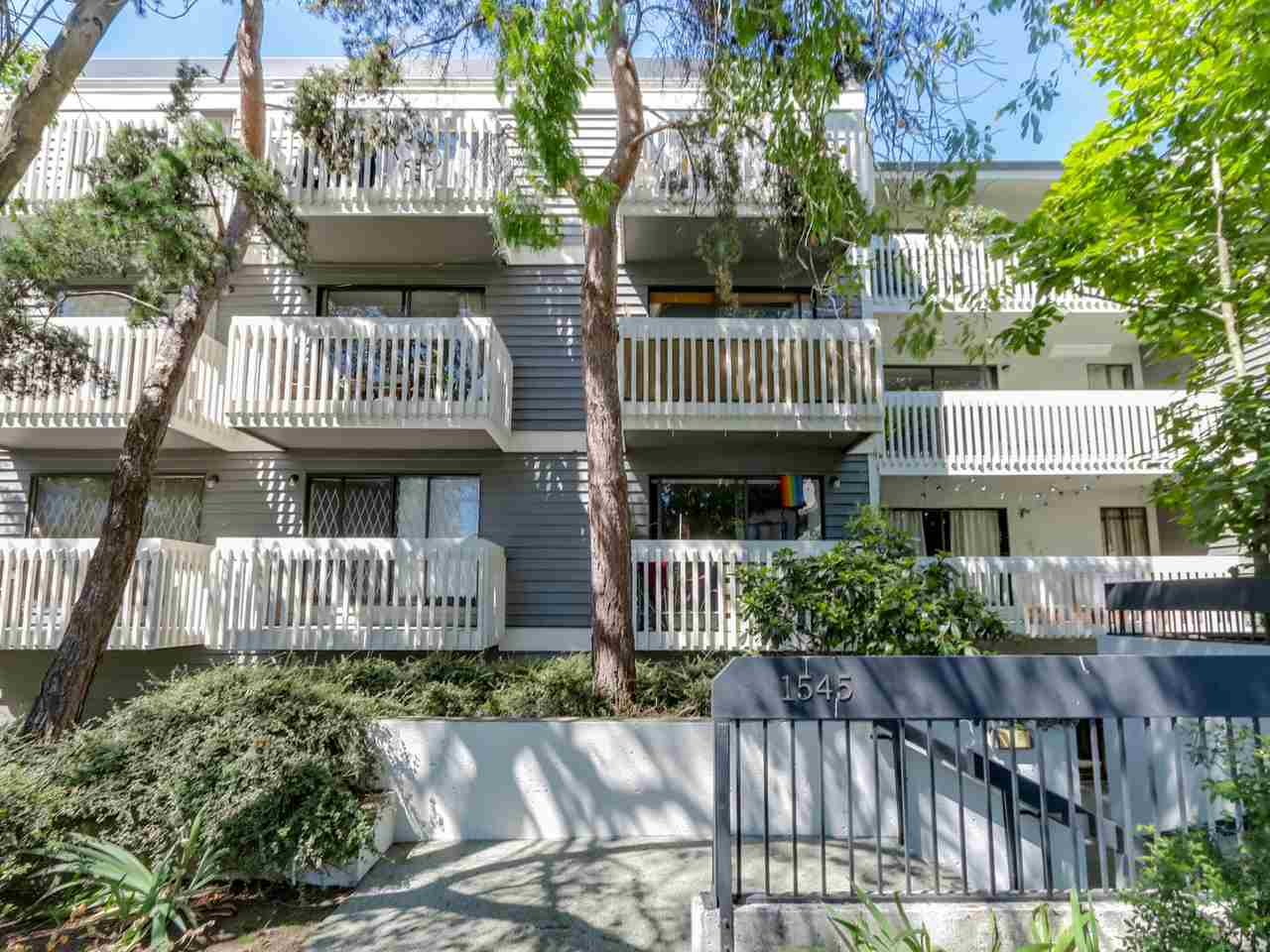 "Main Photo: 207 1545 E 2ND Avenue in Vancouver: Grandview VE Condo for sale in ""TALISHAN WOODS"" (Vancouver East)  : MLS®# R2086466"