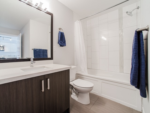 "Photo 10: 401 2408 E BROADWAY in Vancouver: Renfrew VE Condo for sale in ""BROADWAY CROSSING"" (Vancouver East)  : MLS(r) # R2102626"