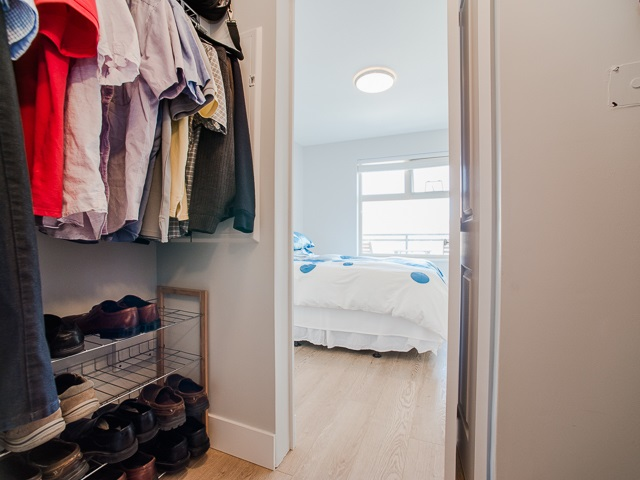 "Photo 9: 401 2408 E BROADWAY in Vancouver: Renfrew VE Condo for sale in ""BROADWAY CROSSING"" (Vancouver East)  : MLS(r) # R2102626"