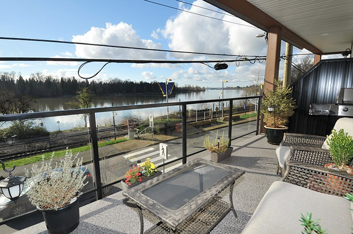 Main Photo: 202 22327 RIVER Road in Maple Ridge: West Central Condo for sale : MLS® # R2124535