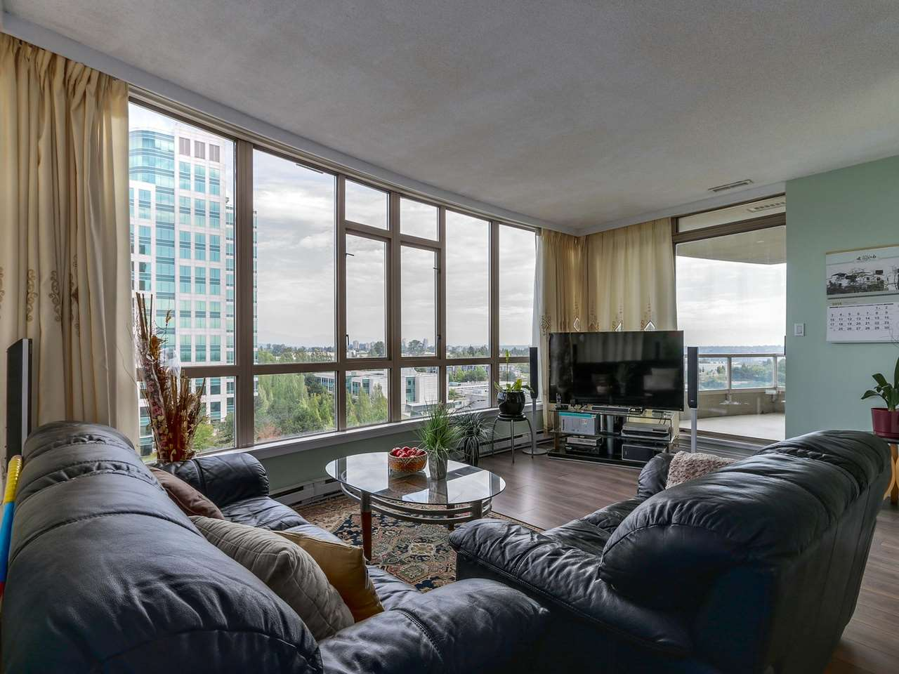 Photo 6: 1005 6888 STATION HILL Drive in Burnaby: South Slope Condo for sale (Burnaby South)  : MLS® # R2125491