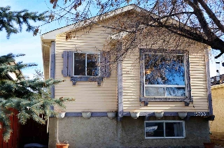 Main Photo: 15703 84 Street in Edmonton: Zone 28 House for sale : MLS(r) # E4051126