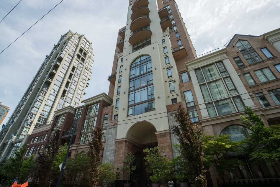 "Main Photo: 801 1280 RICHARDS Street in Vancouver: Yaletown Condo for sale in ""THE GRACE"" (Vancouver West)  : MLS® # R2175323"