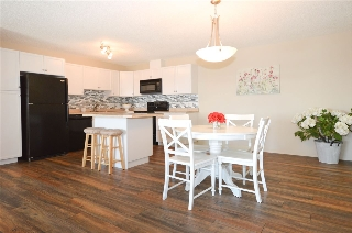 Main Photo:  in Edmonton: Zone 27 Condo for sale : MLS® # E4068495
