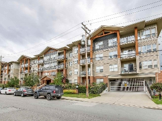 "Main Photo: 105 20219 54A Avenue in Langley: Langley City Condo for sale in ""SUEDE"" : MLS(r) # R2177126"