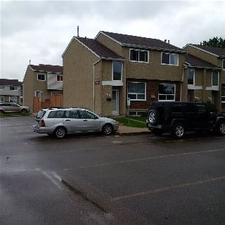 Main Photo: 18327 93 Avenue in Edmonton: Zone 20 Townhouse for sale : MLS(r) # E4069217