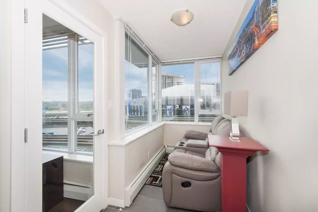 "Photo 8: 802 688 ABBOTT Street in Vancouver: Downtown VW Condo for sale in ""FIRENZE 2"" (Vancouver West)  : MLS(r) # R2179155"