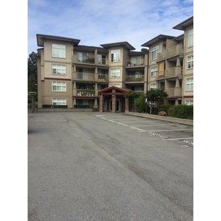 "Main Photo: 302 2515 PARK Drive in Abbotsford: Abbotsford East Condo for sale in ""VIVA"" : MLS® # R2196241"