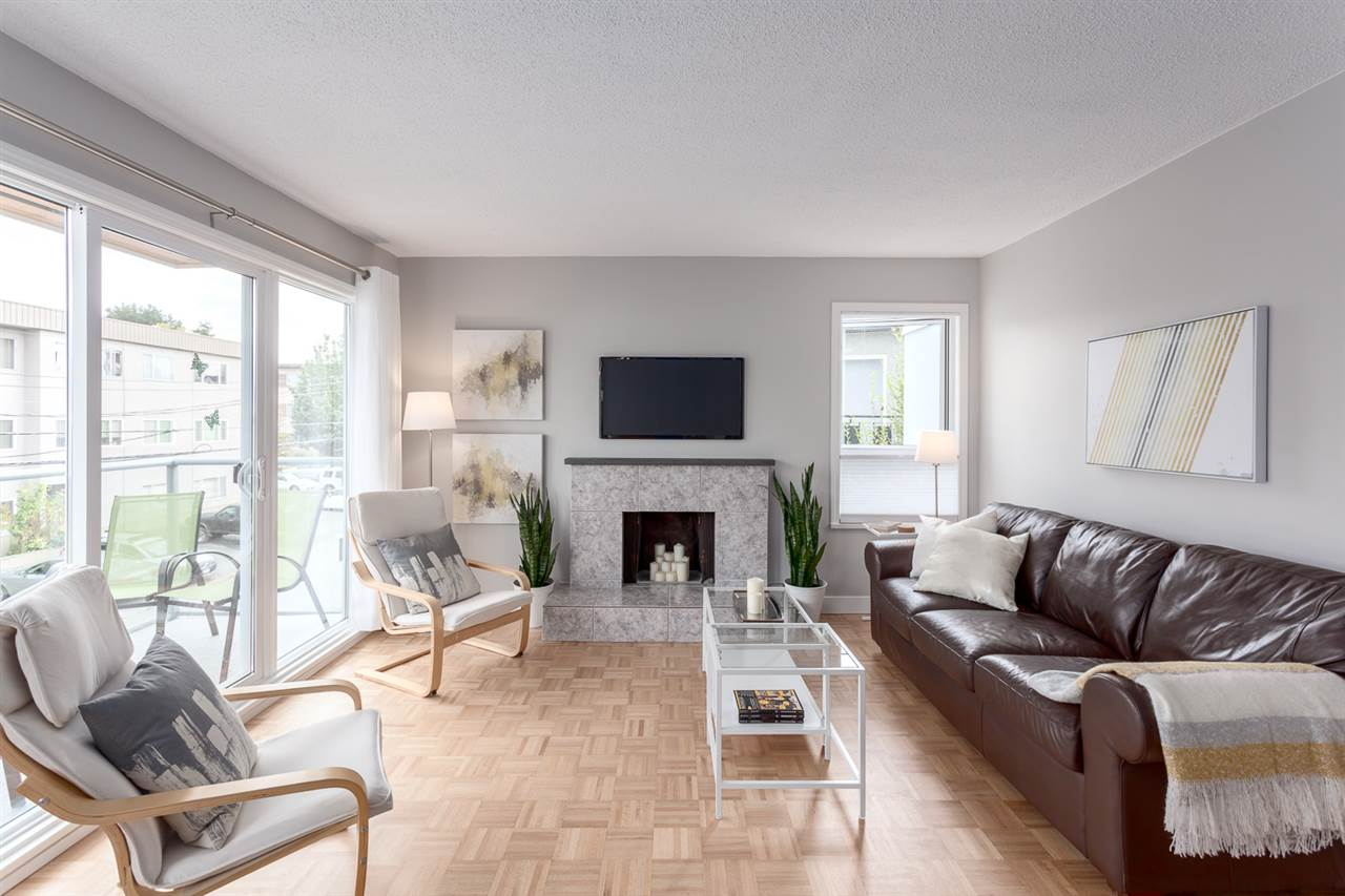 "Main Photo: 302 255 E 14TH Avenue in Vancouver: Mount Pleasant VE Condo for sale in ""MOUNT PLEASANT GARDENS"" (Vancouver East)  : MLS® # R2197470"