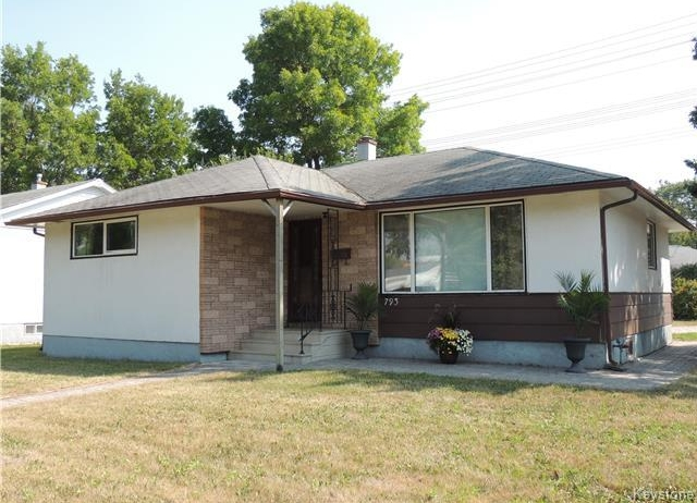 Main Photo: 793 Cavalier Drive in Winnipeg: Crestview Residential for sale (5H)  : MLS® # 1722907