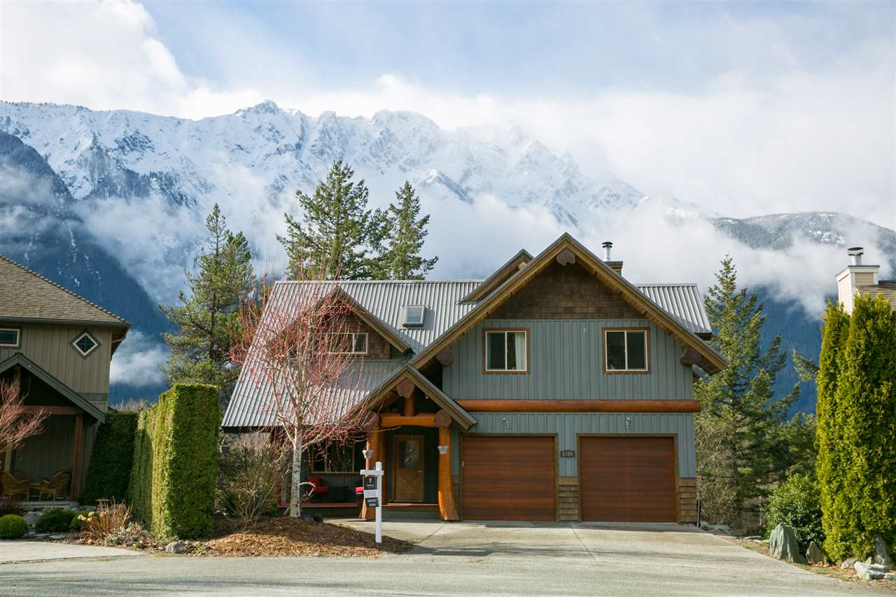Main Photo: 1725 PINEWOOD Drive: Pemberton House for sale : MLS® # R2255623