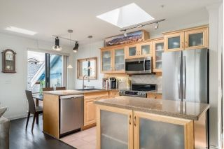 "Main Photo: 402 2119 YEW Street in Vancouver: Kitsilano Condo for sale in ""KITS PALISADES"" (Vancouver West)  : MLS®# R2259830"