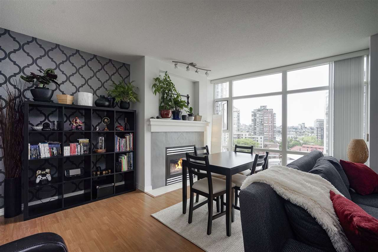 "Main Photo: 1008 198 AQUARIUS Mews in Vancouver: Yaletown Condo for sale in ""AQUARIUS"" (Vancouver West)  : MLS®# R2313413"
