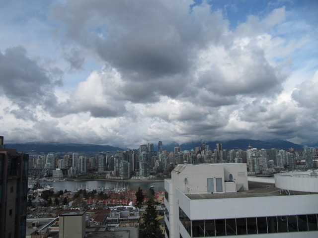 "Main Photo: 1106 1030 W BROADWAY Avenue in Vancouver: Fairview VW Condo for sale in ""LA Colomba"" (Vancouver West)  : MLS® # V880448"