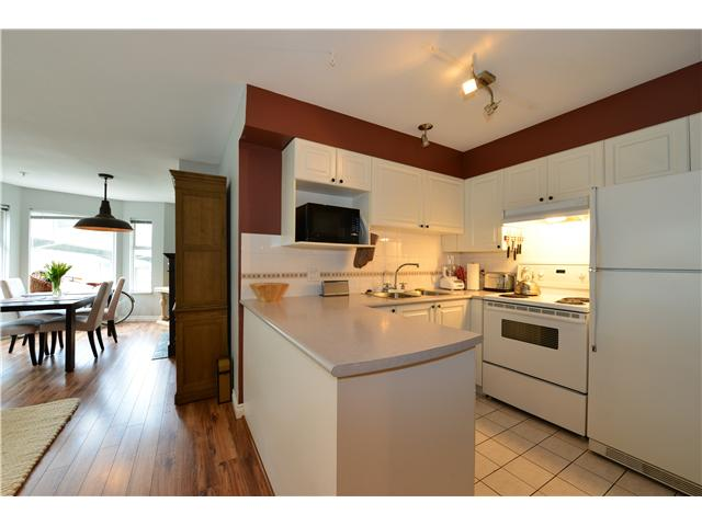 Photo 5: 302 1562 W 5TH Avenue in Vancouver: False Creek Condo for sale (Vancouver West)  : MLS(r) # V994390