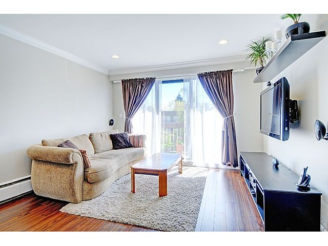 Main Photo: 304 2121 W 6TH Avenue in Vancouver: Kitsilano Condo for sale (Vancouver West)  : MLS® # V1004626