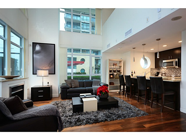 "Main Photo: 167 E ESPLANADE WY in North Vancouver: Lower Lonsdale Townhouse for sale in ""ATRIUM AT THE PIER"" : MLS® # V1041360"