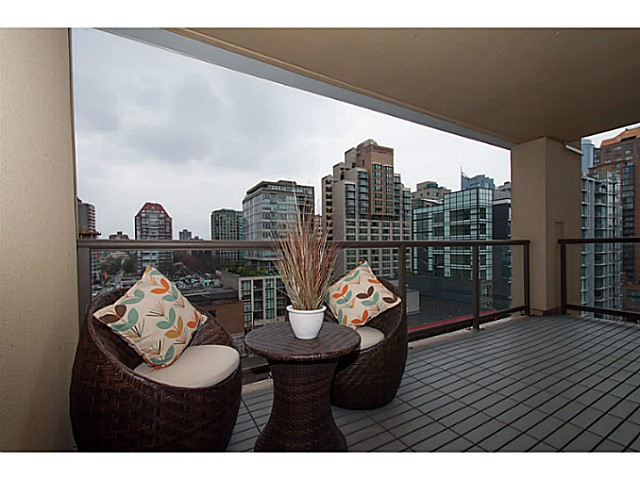"Main Photo: 1102 789 DRAKE Street in Vancouver: Downtown VW Condo for sale in ""Century Tower"" (Vancouver West)  : MLS® # V1057525"