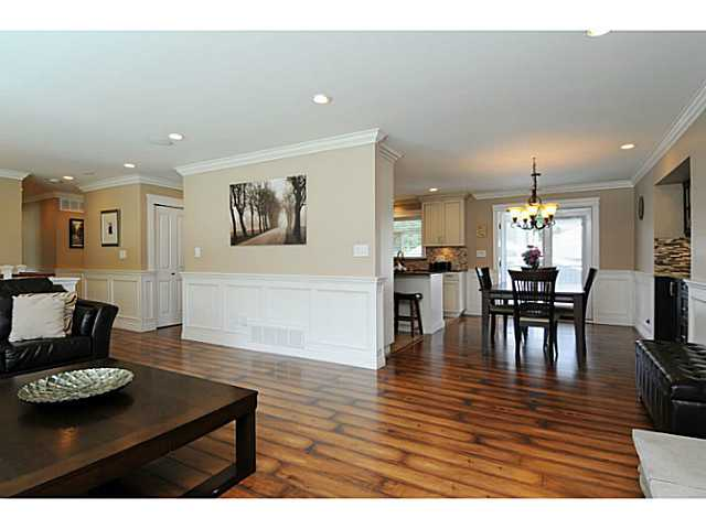 Photo 7: 869 RUNNYMEDE Avenue in Coquitlam: Coquitlam West House for sale : MLS(r) # V1064519