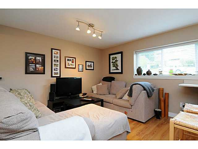 Photo 19: 869 RUNNYMEDE Avenue in Coquitlam: Coquitlam West House for sale : MLS(r) # V1064519