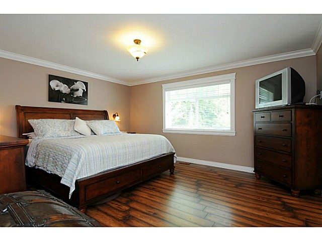 Photo 11: 869 RUNNYMEDE Avenue in Coquitlam: Coquitlam West House for sale : MLS(r) # V1064519