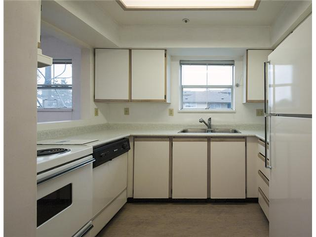 "Photo 9: 301 3308 VANNESS Avenue in Vancouver: Collingwood VE Condo for sale in ""VANNESS GARDENS"" (Vancouver East)  : MLS(r) # V1087478"