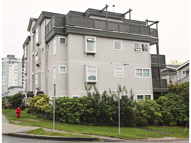 "Photo 11: 301 3308 VANNESS Avenue in Vancouver: Collingwood VE Condo for sale in ""VANNESS GARDENS"" (Vancouver East)  : MLS® # V1087478"