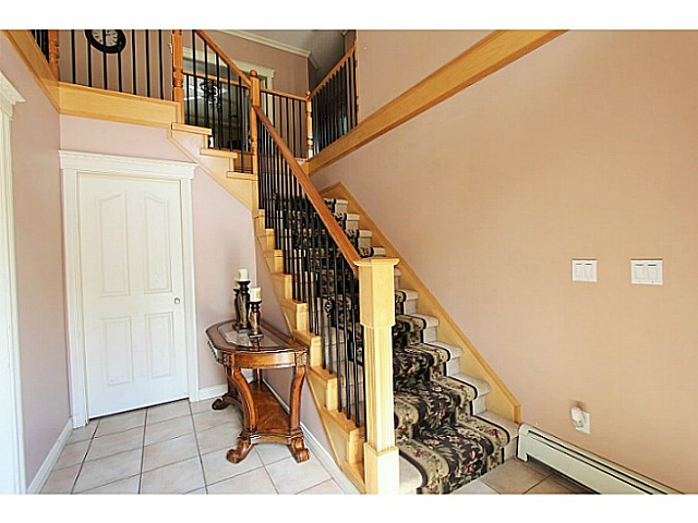Photo 2: 31537 BLUERIDGE Drive in Abbotsford: Abbotsford West House for sale : MLS(r) # F1438467