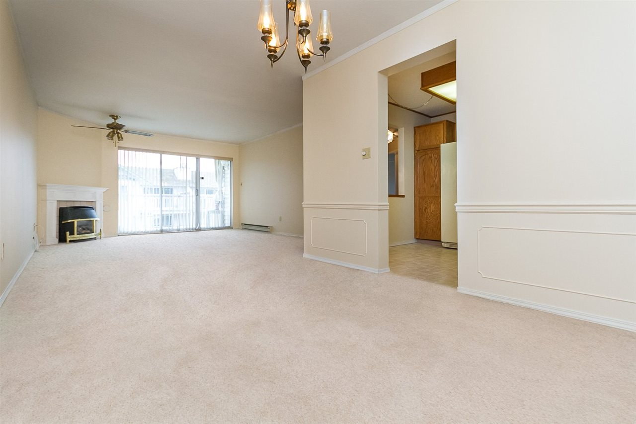 "Main Photo: 304 5360 205 Street in Langley: Langley City Condo for sale in ""PARKWAY ESTATES"" : MLS®# R2053967"