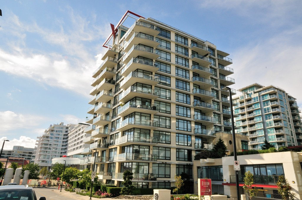 "Photo 2: 203 162 VICTORY SHIP Way in North Vancouver: Lower Lonsdale Condo for sale in ""ATRIUM"