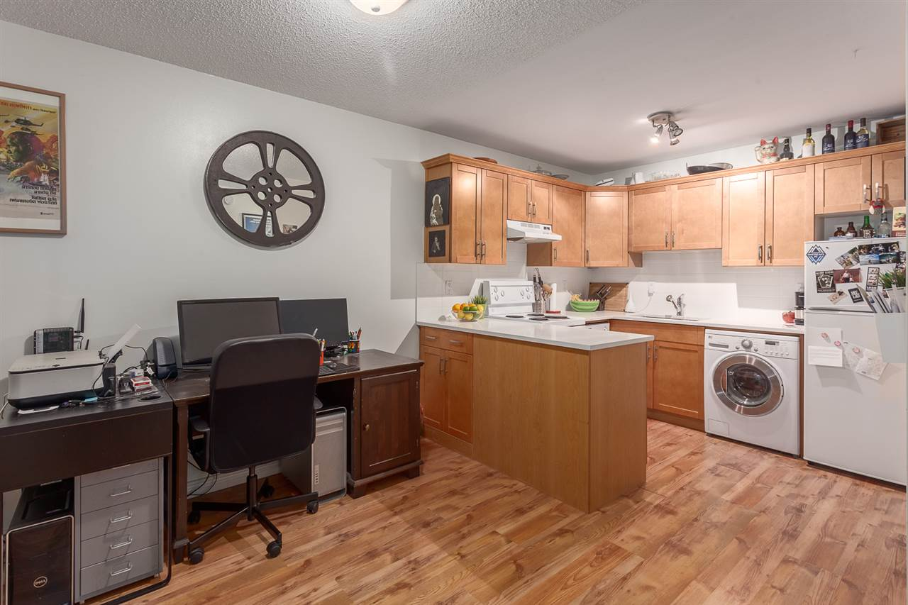 "Photo 3: 107 808 E 8TH Avenue in Vancouver: Mount Pleasant VE Condo for sale in ""Prince Albert Court"" (Vancouver East)  : MLS(r) # R2123723"
