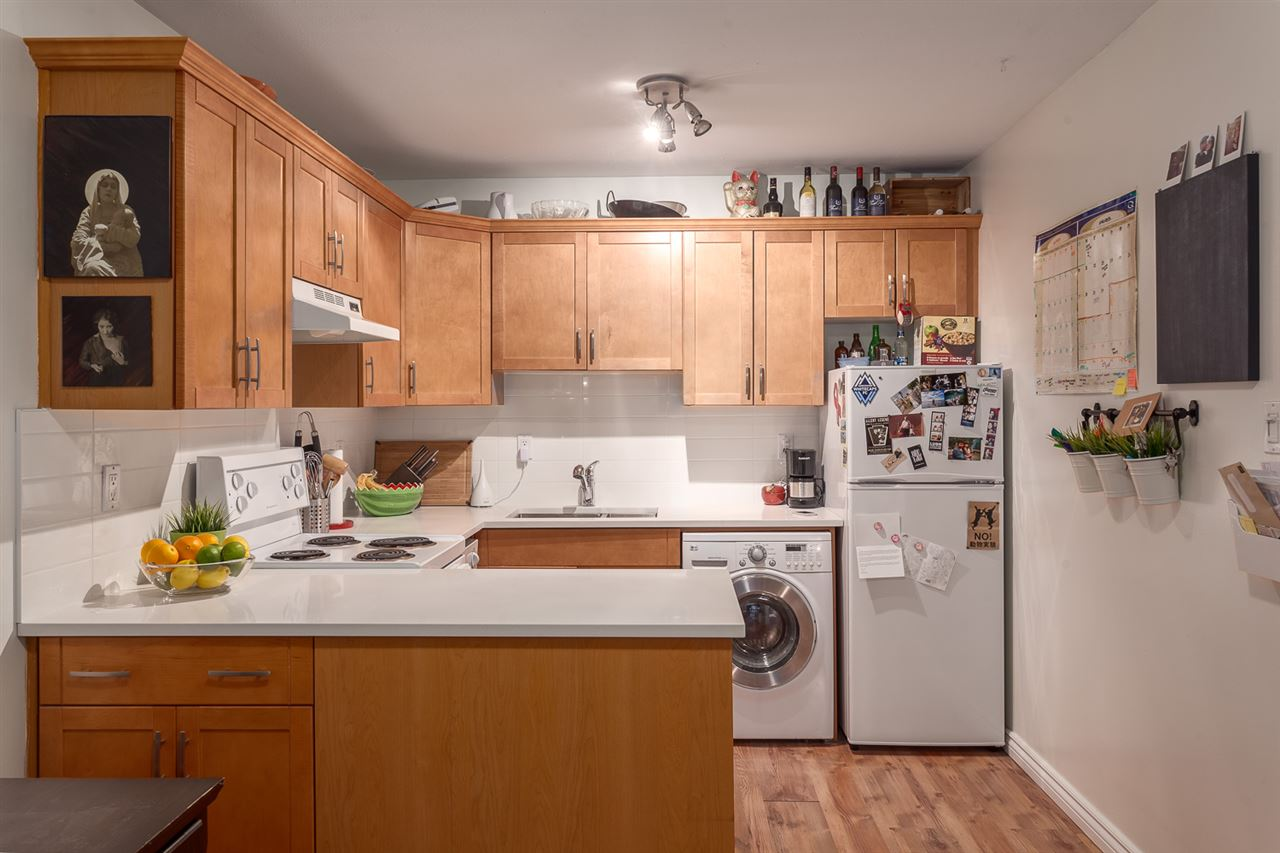 "Photo 4: 107 808 E 8TH Avenue in Vancouver: Mount Pleasant VE Condo for sale in ""Prince Albert Court"" (Vancouver East)  : MLS(r) # R2123723"